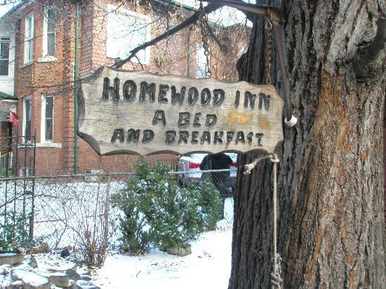 Homewood Inn: The front yard