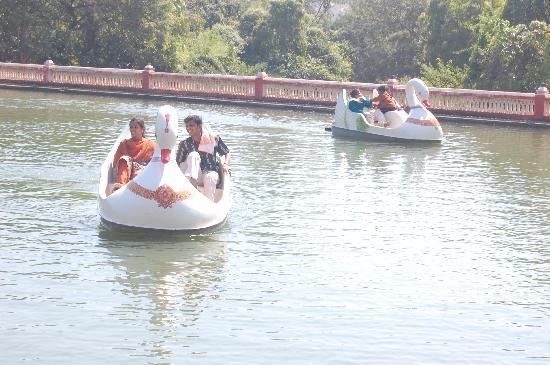 Kishkinda Heritage Resort: Kishkinda Boating