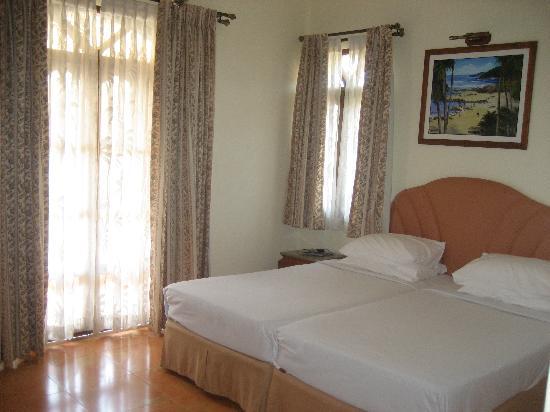 Hacienda De Goa Resort: Inside classic deluxe room.
