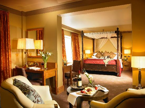 The Castlecourt Hotel: Junior Suite