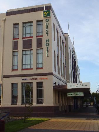 Quest Invercargill : Outside of Hotel