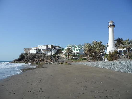 Side Shore: The beachside