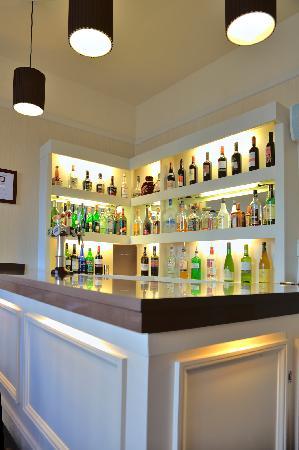 The Carlton Hotel: The Carlton Bar