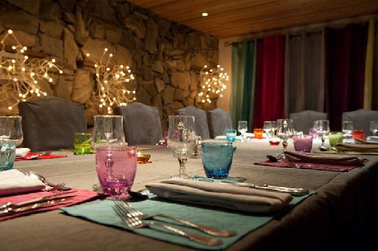 Auberge sur la Montagne: Our stylish dining room