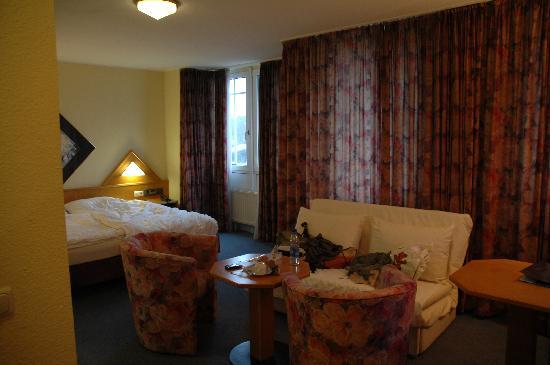 Raeter-Park Hotel: ベッド