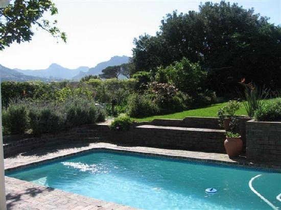 Paradiso Guesthouse & Self Catering Cottage: Cottage privatre pool and garden