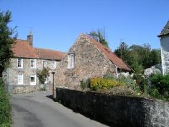 La Bellieuse Self Catering Cottages : Lane leading towards the ancient hamlet of La Bellieuse