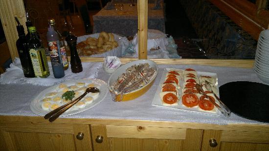 Hotel Negritella: Buffet antipasti della sera 2