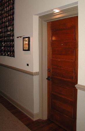 Riverwalk Vista: Room Door