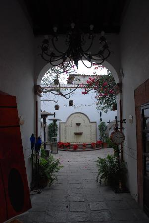 Hotel Villa del Villar: As you enter Villa del Villar