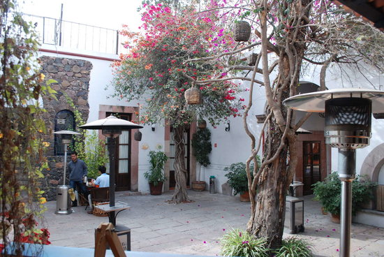 Hotel Villa del Villar: the courtyard
