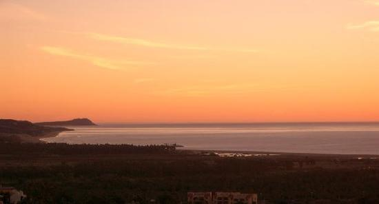 Alegranza: Amazing sunset view from the terrace