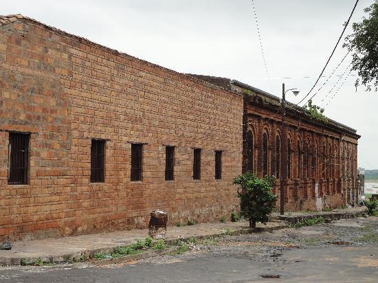 Asuncion, Paraguay: Vista posterior de la Universidad Católica