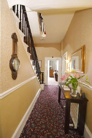 The Collingdale Guest House: Entrance Hall