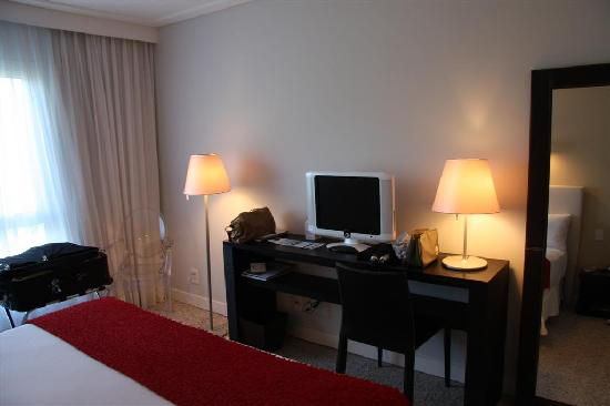 Awa Boutique and Design Hotel: Superior Deluxe Room, King Bed