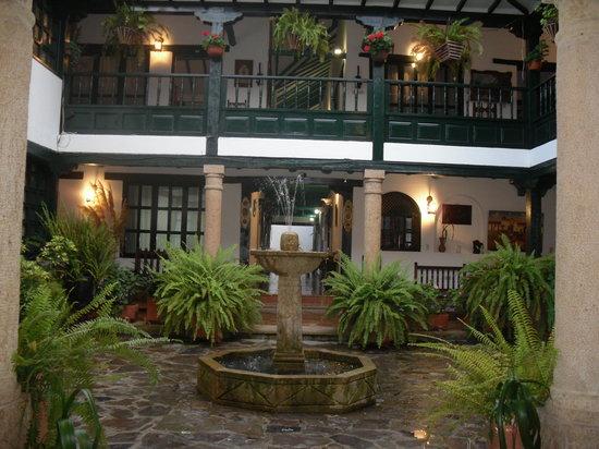 ホテル アントニオ ナリノ