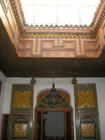 Dar Bouanania: Piso superior y puerta de unas de las habitaciones.