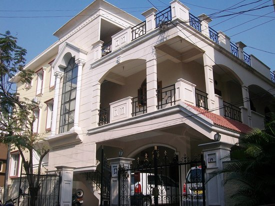 Manira Apartment Hotel