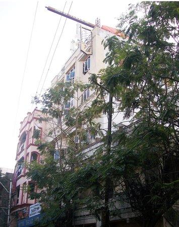 Tarak Inn Hotel