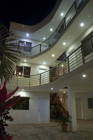 hotel nadet suites: vista general del hotel