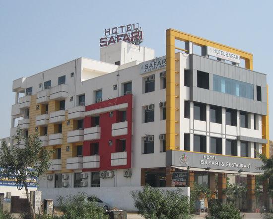 Hotel safari jaipur prices reviews india tripadvisor for F salon jaipur price list