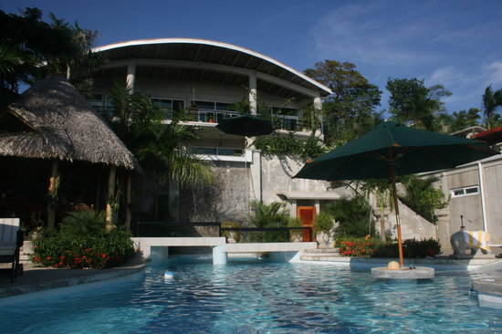 Orquidea del Sur: Main House from the Pool