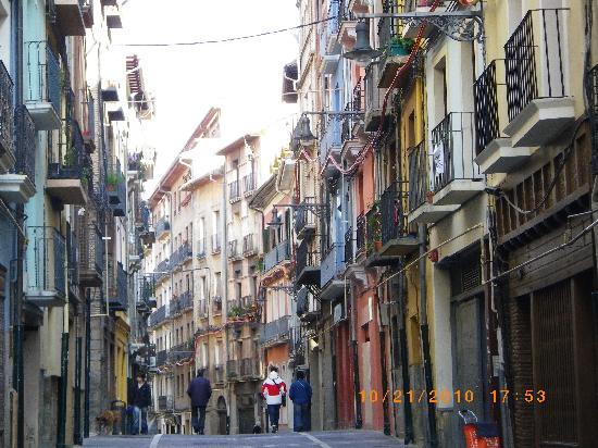 Hotel Blanca de Navarra: narrow streets of the Old City