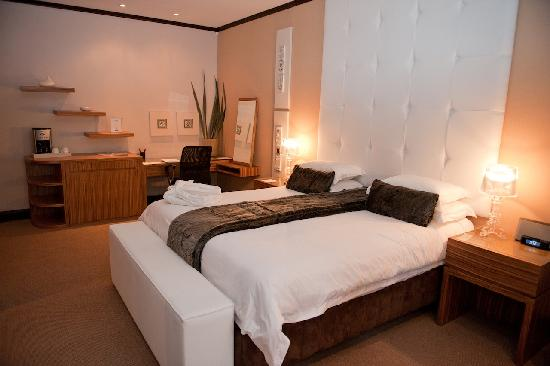 Surreal eco boutique hotel spa sandton sydafrika for Surreal salon 8