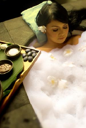 Surreal eco boutique hotel spa reviews price for Surreal salon 8