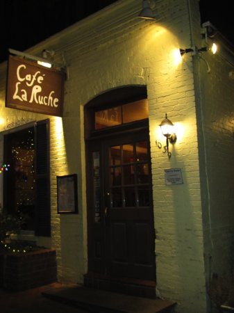 Cafe La Ruche: Front Door