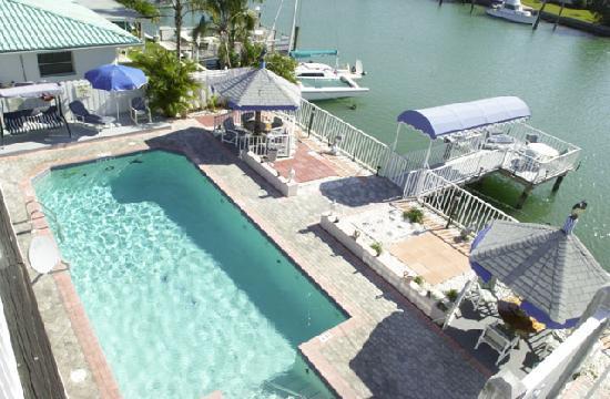 Parker Manor Resort: Big heated pool