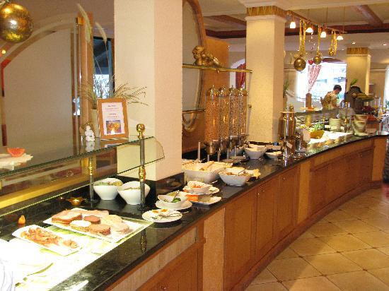 Hotel Rita: Buffet au restaurant