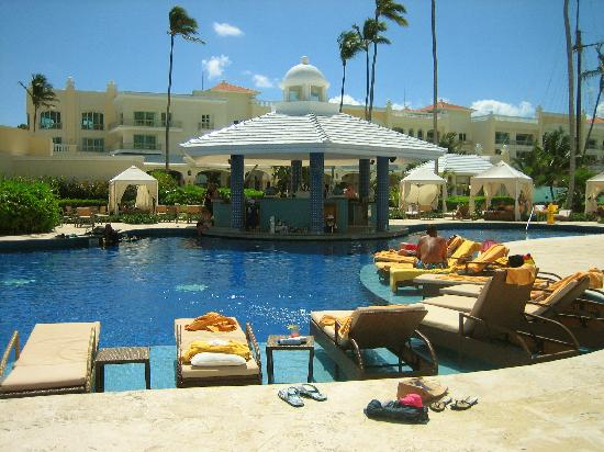 Iberostar Grand Hotel Bavaro: Swim Up Bar
