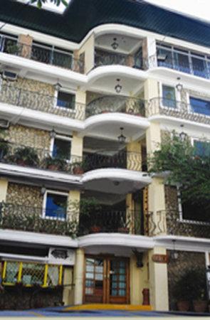 Saint Illians Inn : Saint Illians Makati Inn - quietest sleep in the City.