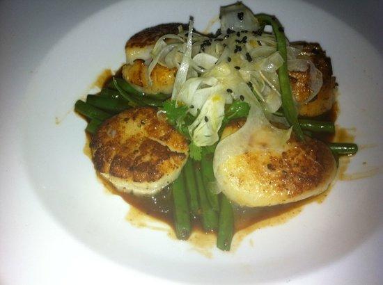 Charleston Grill : scallops