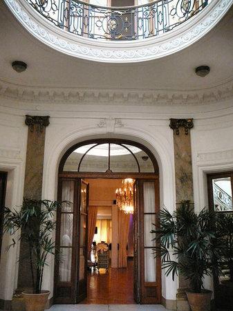 Lobby to Circolo Massimo (Circolo Italiano)