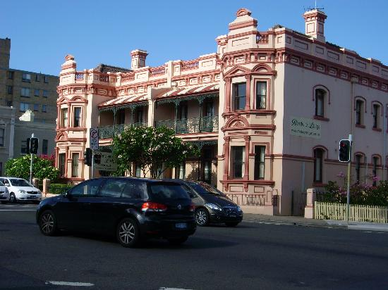Randwick Lodge: Front view