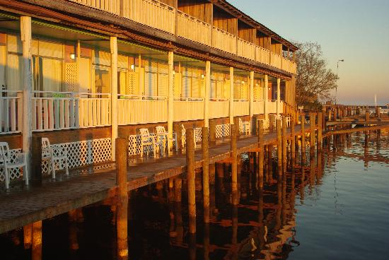 Apalachicola River Inn: Hotel river side
