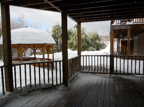 Crotched Mountain Resort & Spa: Back deck