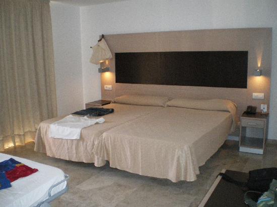 Dynastic Hotel : chambre