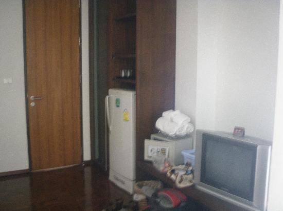 Baan Silom Soi 3: fridge