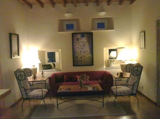 Hotel Aultre Naray: una de las salitas