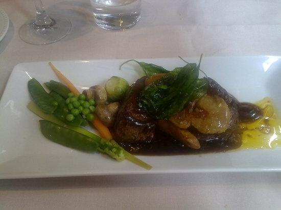 Los Arcos Restaurante: mi solomillo ,pimientos foie y verduritas