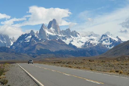 Patagonia Hikes: On the Road to El Chalten