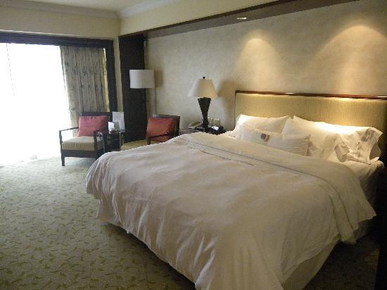 The Westin Resort Guam: キングベッドの部屋