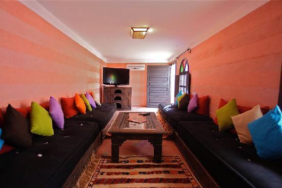 Riad Dar Radya: salon