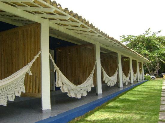 Rio da Barra Villa Hotel: Hamacas a la entrada de las habitaciones