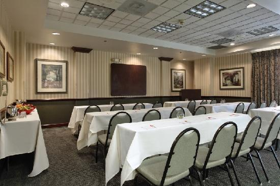 Ramada Suites Orlando Airport: Meeting Room Classroom Style