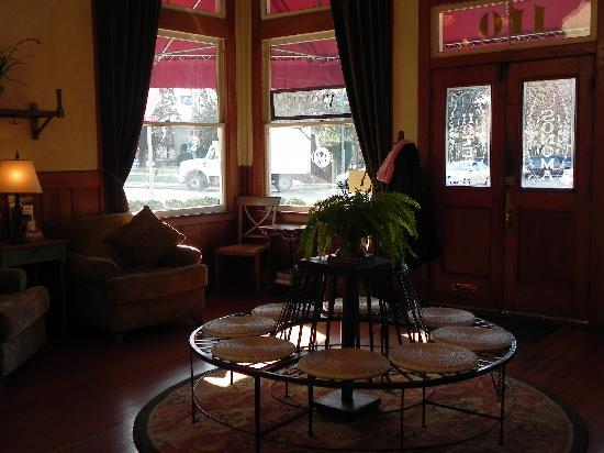 Sonoma Hotel: Comfortable lobby!