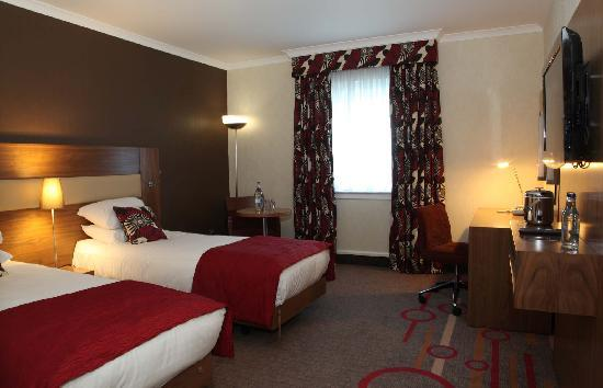 Hilton Edinburgh Airport: Twin room